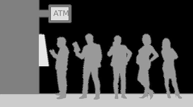 Libraと国際通貨をATMで交換しようと列を作っている人々